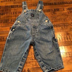 👦🏻 carters overalls